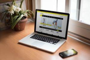 Laptop e-commerce web design | yogahive